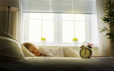 Why and How to Help Your Child Adjust to Daylight Saving Time?